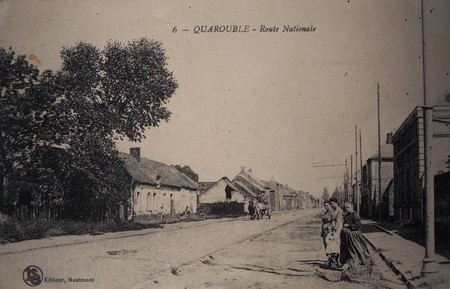 La Route Nationale à Quarouble sur une carte postale ancienne